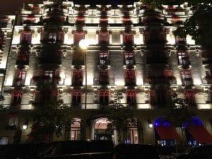 plaza_facade